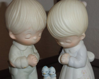 1976 Jonathan & David Enesco Precious Moments Prayer Changes Things Girl Boy Birds Vintage Figurine