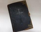 Antique Missel, Massel,  Paroissien Romain, Victorian  Circa 1868
