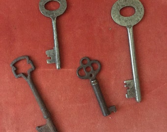 Set of four Vintage Keys