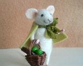 Needle felted mouse, felt mouse, fiber mouse, dollhouse, miniature mouse, mouse figurine, mice, felted mouse, art mouse, mouse sculpture