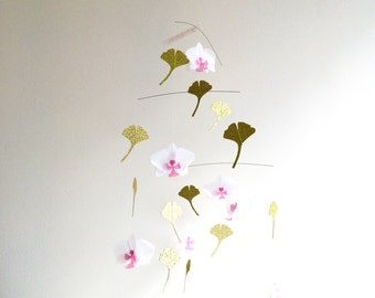 White Phalaenopsis. Gingko leaves. Mobile. Paper suspension. Paper flowers. Origami, kirigami. Contemporary home. Original french creation