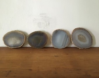 set of 4 large agate slice coasters. agate geode paperweight coasters. vintage rock specimen. mid century home decor boho barware