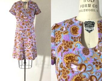 60s 70s mod groovy floral psychedelic print mini midi dress / 1960s 1970s purple flower print dress / m