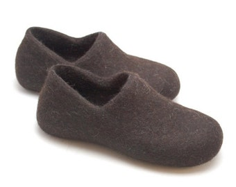 SALE Children shoes felted wool clogs dark brown - toddler eco friendly slippers - handmade felt wool house shoes