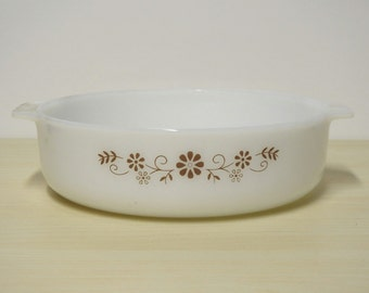 Shallow Casserole Dish - Dynaware Milk Glass, Brown Floral Vine, Vintage 1960-70s Mexico / Mid Century Retro Kitchen