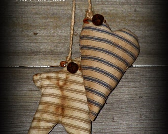 Primitive Puffy Grungy Heart and Star Peg Hangers