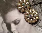 Bridal Hair Pins Jewelry 1950's Opalescent Champagne Pearl Bobby Pins