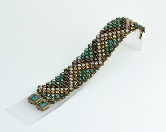 Czech fire polished bead bracelet  (B10043)