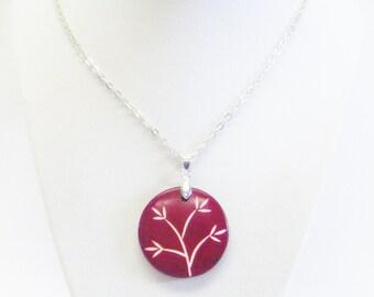 Round Burgundy Wine Resin w/Flower Pendant Necklace