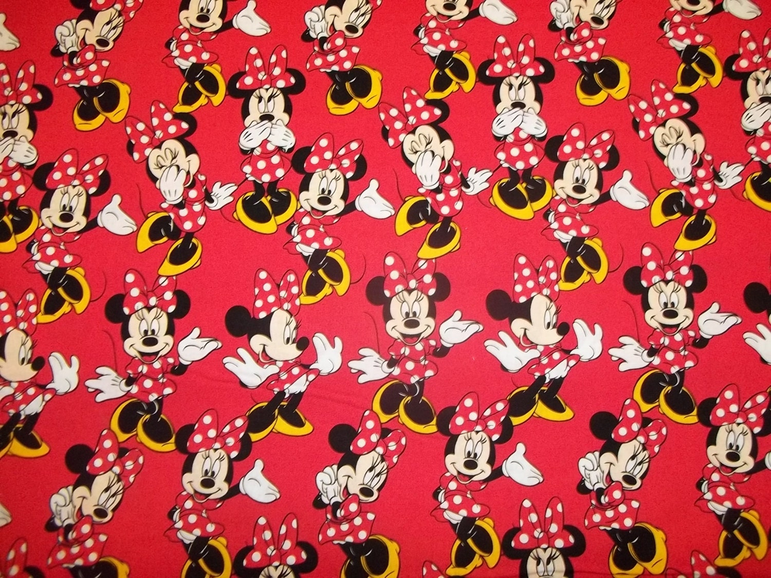red minnie mouse background