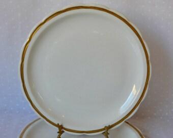 4 Vintage restaurant ware dinner plates  / Inter American Porcelain / White Dinner Plates Gold Banding / Rustic Farmhouse Table Setting