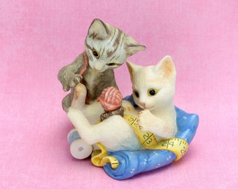 Vintage Franklin Mint Kittens Figurine  Playful Kittens, Cats, White Gray Kitten Figurine, Franklin Mint Collectible Rascals 1988 Epsteam