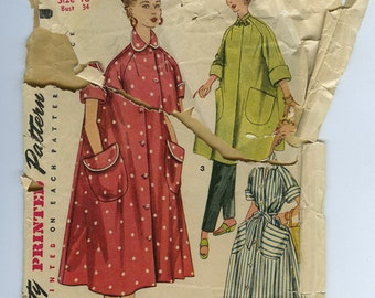 50s Robe or Housecoat Vintage Sewing Pattern - Simplicity 4471 - Size 16, Bust 34, Mandarin Collar, Frog Closure Cut