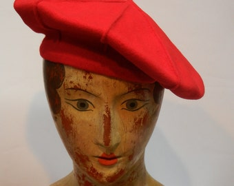 Red beret - vintage wool - Parkhurst - Made in Canada - 1980s