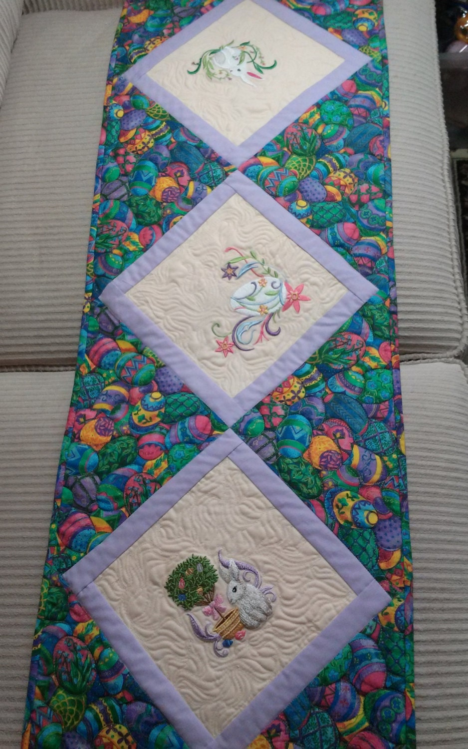 easter table runner machine embroidered bunnies eggs quilted. Black Bedroom Furniture Sets. Home Design Ideas