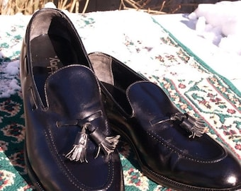 SALE SALE Vintage FOOTJOY tassle  loafer,Near new condition, stated size 10.5 C
