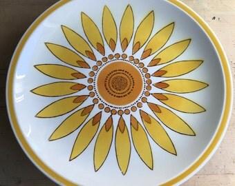 """Vintage Mikasa Cera Stone Sunburst Pattern 10.5"""" Dinner Plate"""