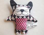 Boutique Squeak Plushie Cat Toy