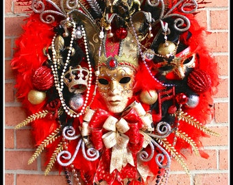 Red Mardi Gras Wreath, Masquerade Wreath, Venetian Mask Wreath, Christmas in New Orleans Wreath, red black silver Gold, Carnival Wreath