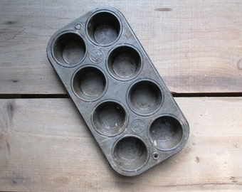 Vintage Muffin Tin Cupcake Pan Farmhouse Chic Ekco