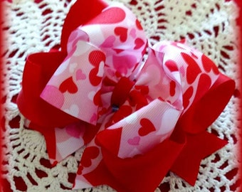 Valentine Camo Bow...Valentine Hair Bow...Hearts Camo Bow...Valentine Bow...Red and Pink Hair Bow...Girls Valentine Bow