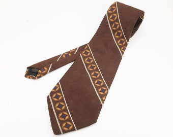 1970s Johnny Carson Wide Disco Era Tie Men's Vintage Brown 100% Polyester Necktie by Johhny Carson