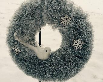 NEW/SALE/Clearance/Mini Yarn Wreath/Winter/Sparkly Silver/White Snow Bird/Furry/Fuzzy/Cute/Snowflakes