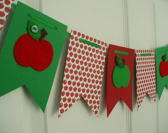 Back to School Banner, Paper and Felt Garland, Felt Apple Bunting, First Day of School Banner, Apples Banner, Red, Green