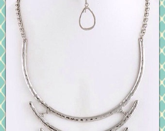 Hammered Silver Ladder Bib Necklace