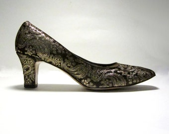 1960s Medium-Heel Slip On Metallic Brocade Heels - Gold Bronze Silver Paisley - Size ___