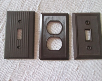 3 wall plaques for electricity
