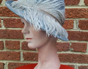 SALE**Vtg Grey Ostrich Feather 40s 50s Brimmed Hat