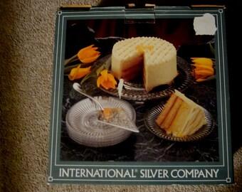 "International Silver Company 8 Piece Cake Set 12.5"" Crystal Cake Plate 6 Plates"