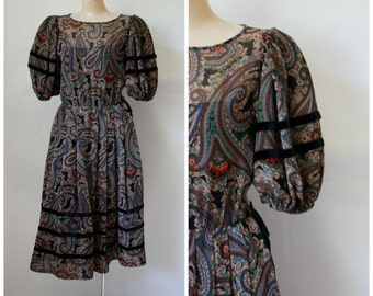 Albert Nipon Dress / 1970's Dress / Cocktail Dress / Vintage Dress / Paisley Party Dress XS