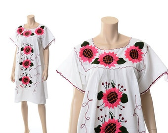 Vintage 70s Pink Sunflowers Embroidered Mexican Dress 1970s Hot Pink Daisy Flowers Boho Floral Daisies Peasant Festival Caftan Dress