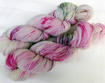 Handpainted Sock Yarn, 75 Wool  superwash, 25 Nylon 100g 3.5 oz.  Nr. 142