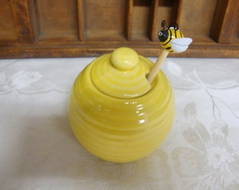 Yellow Honey Jar/Pot with Bee Dipper