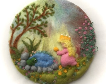The Frog Prince,King,Picture,tapestry,Wet felted,Needle Felted. Waldorf,Wall hanging.