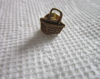 Vintage Figural Gathering Basket Pinback