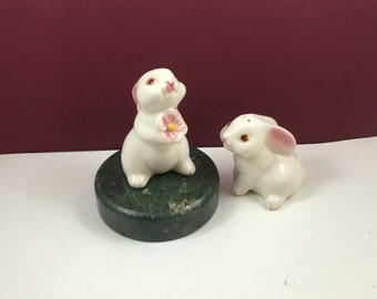 SALE Vintage AVON 1983 Bunny Mates Salt & Pepper Shaker Set design by Weiss Brasil for AVON