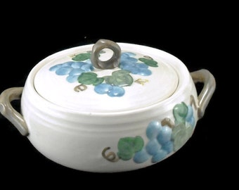 Vintage Metlox Poppytrail Casserole with Lid * Sculptured Blue Grapes * California Pottery * Covered Vegetable Dish
