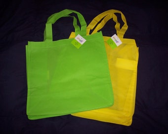 Summer Tote bags to decorate,non-woven,undecorated,large,square bottomed with handles,100% olefin,green or yellow,kid's craft