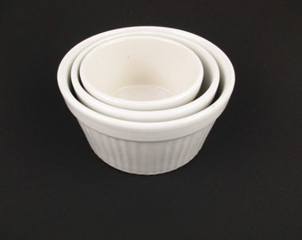 Set of Three White Ceramic Nesting Ramekins - From the 1980s - Multi-tasking Bowls - Baking or Mixing Bowls - Sauces - Egg Dishes