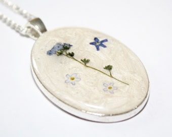 Forget Me Not Necklace Pressed Flower Necklace Botanical Necklace Blue Flower Necklace Oval Necklace Forget Me Not Resin Necklace