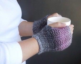 Fingerless Gloves / Wrist Warmers / Fingerless Mittens / Knit Gloves / Mitts / Pink Gray