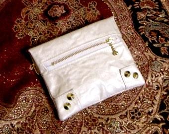 Pocket Tissue Case White