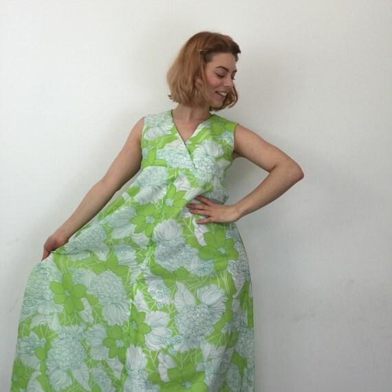Vintage lime green maxi dress flower power long sundress UK 8 bold hippy boho print flared skirt empire cut petite maternity? handmade