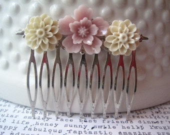 Flower Hair Comb, Pastel Hair Accessory, Romantic Wedding Hair Accessory, Bridesmaid Gift, Floral Hair Piece, Silver Hair Comb