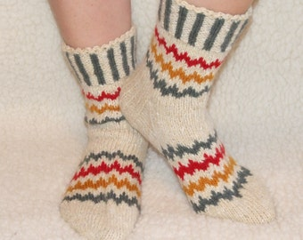Hand Knitted Wool Socks White Wool Socks for Men or women Wide Socks -Size EU 42-43 US 9-10