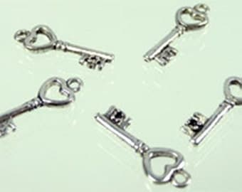 5 Silver Pendant key with heart 20 x 7 mm